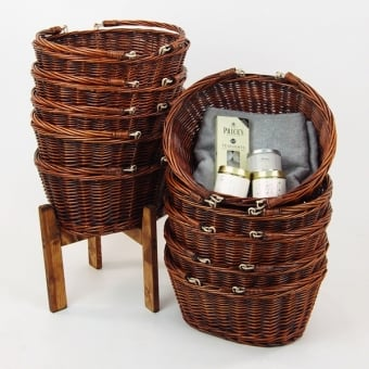 10 Dark Wicker Shopping Baskets With Wooden Stand
